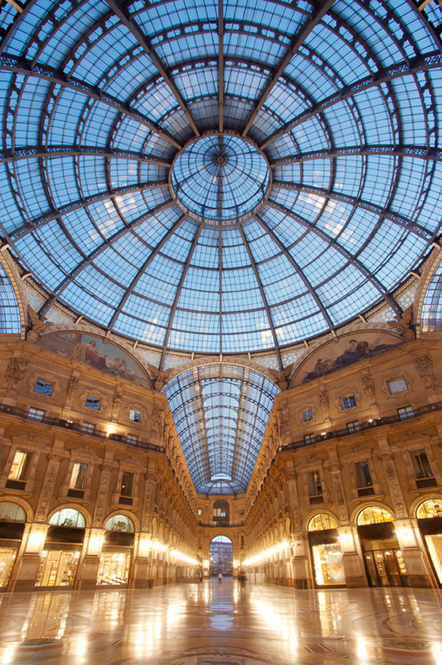 "Milano! what a wonderful place!"", a travel guide to Milano, MI, Italia"